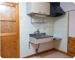 一人暮らしにはちょうど良いサイズのキッチン